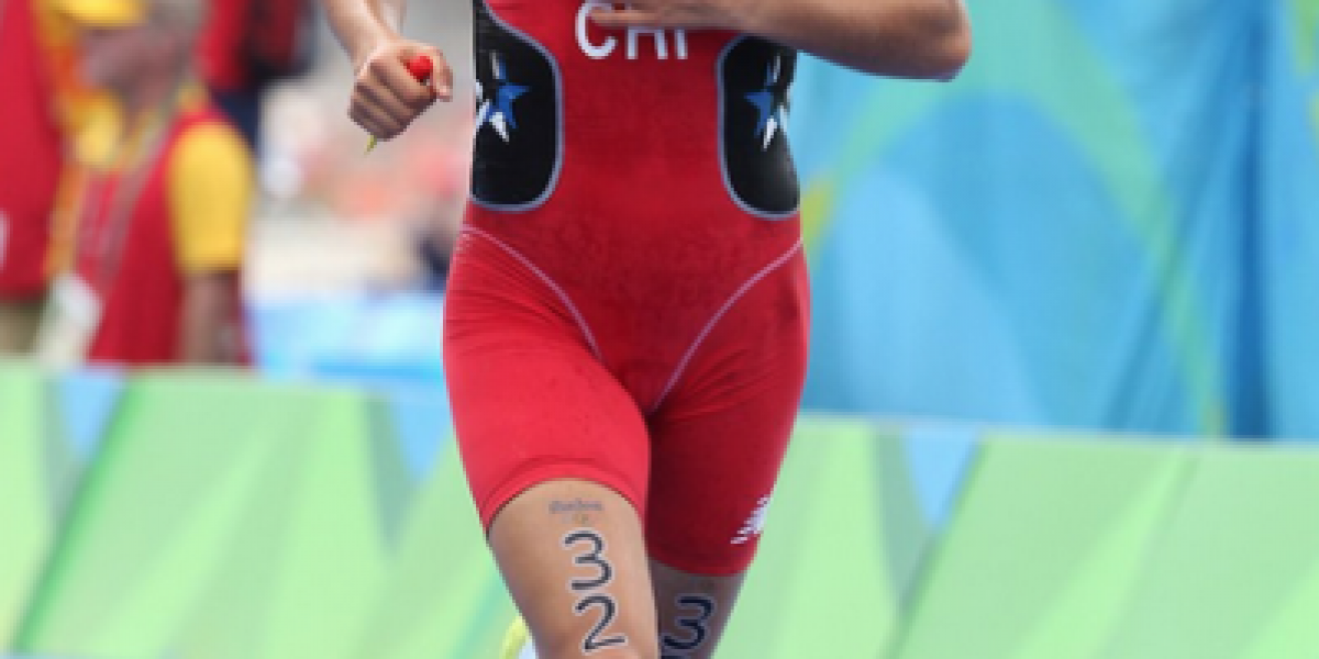 Bárbara Riveros dio pelea y terminó en un histórico quinto lugar en el Triatlón