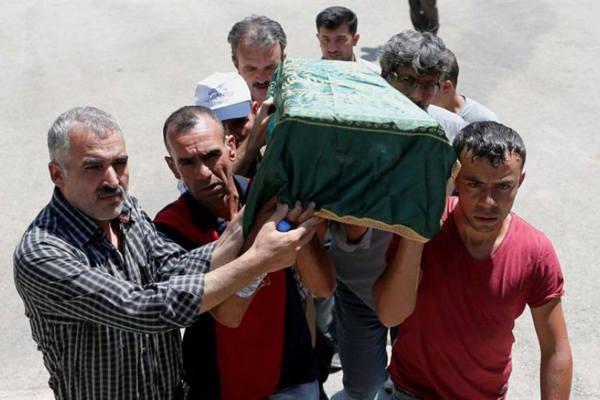 """Aunque no se han dado aún detalles sobre los supuestos autores, el presidente turco, Recep Tayyip Erdogan, ha descrito el ataque como """"probablemente cometido por el Dáesh"""" (Estado Islámico). Foto:Efe. Imagen Por:"""