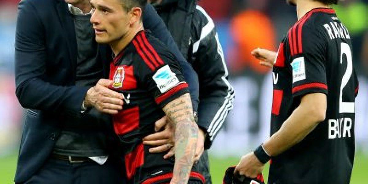 Charles Aránguiz celebra en el arranque de temporada con el Bayer Leverkusen