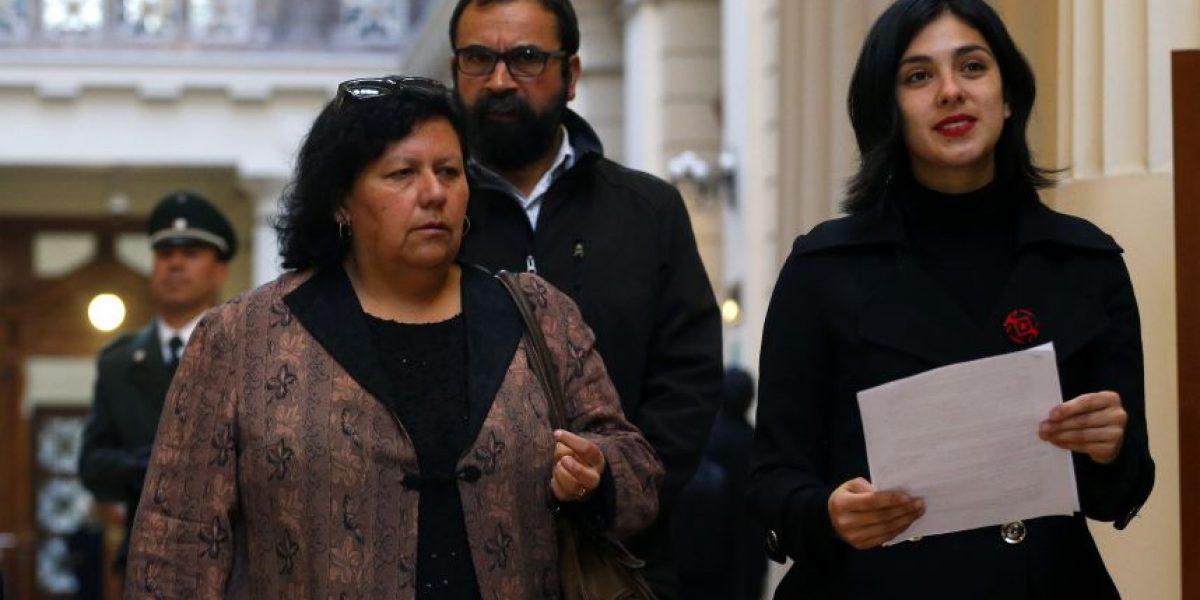 Diputados comunistas presentan querella contra Lucía Hiriart por Cema Chile