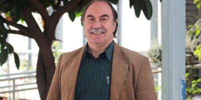 Julio Pinto es galardonado con el Premio Nacional de Historia 2016