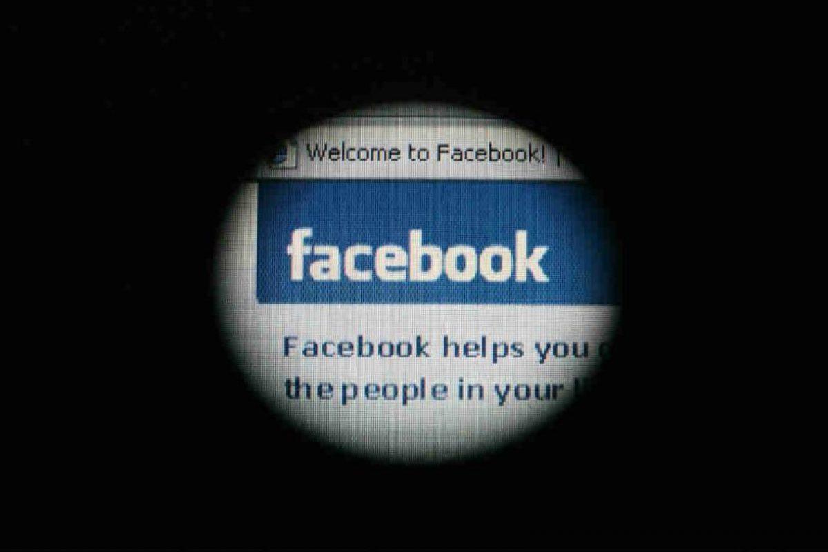 """Facebook nos """"sigue"""" por todo Internet. Foto:Getty Images. Imagen Por:"""