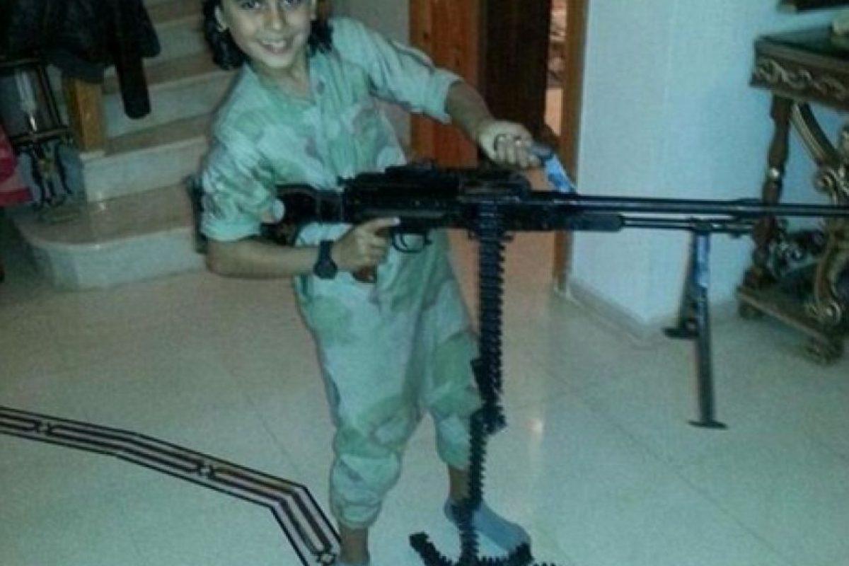 Abú Ubaydah, el conocido como 'Cachorro de Bagdad', uno de los primeros niños del Estado Islámico Foto:Twitter. Imagen Por: