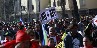 Cambios a pensiones: diputado PS defiende propuesta