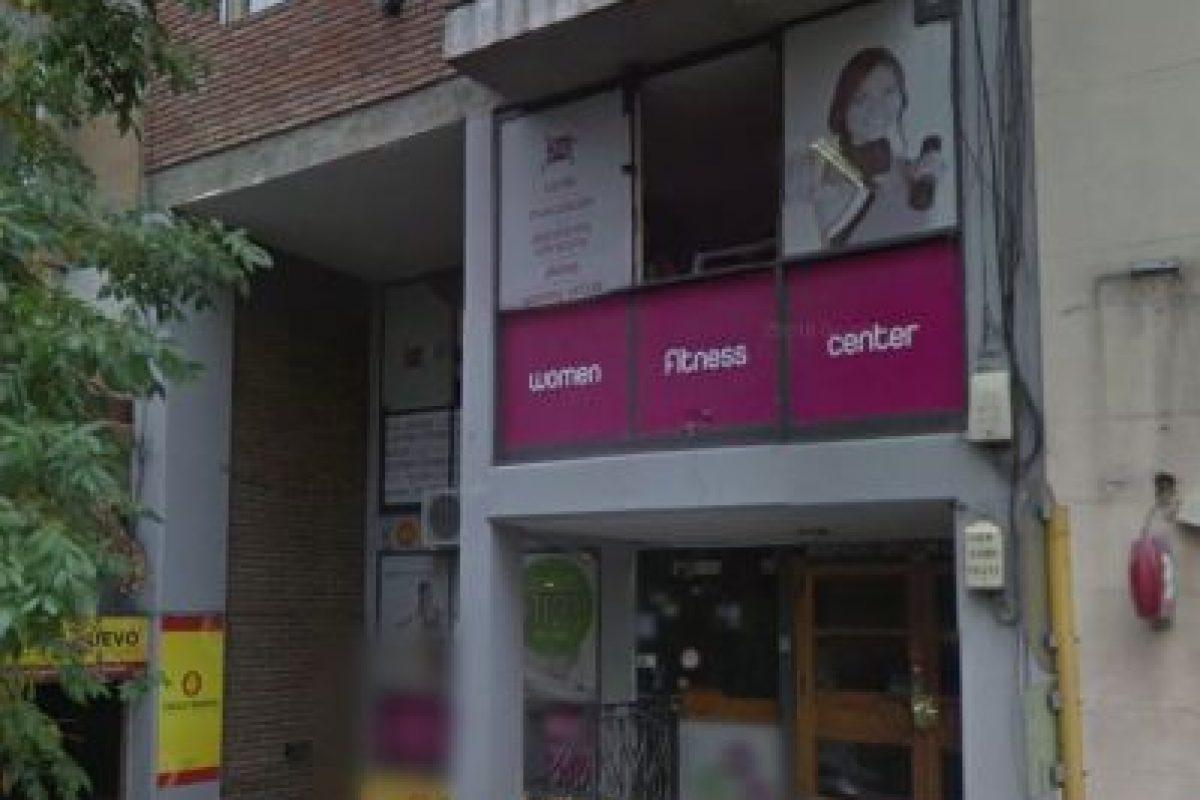 La mujer fue arrojada desde el tercer piso de su departamento Foto:Google Maps. Imagen Por: