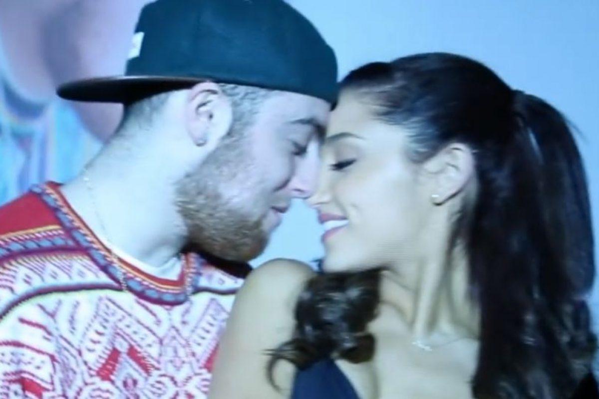 Así luce la pareja en el video Foto:Vevo. Imagen Por: