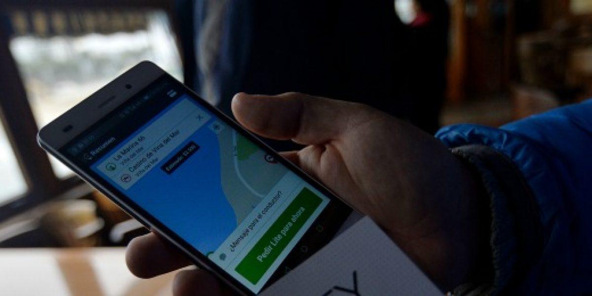 Guerra entre apps: al anuncio de descuento de Uber se suma la tarifa fija de Cabify