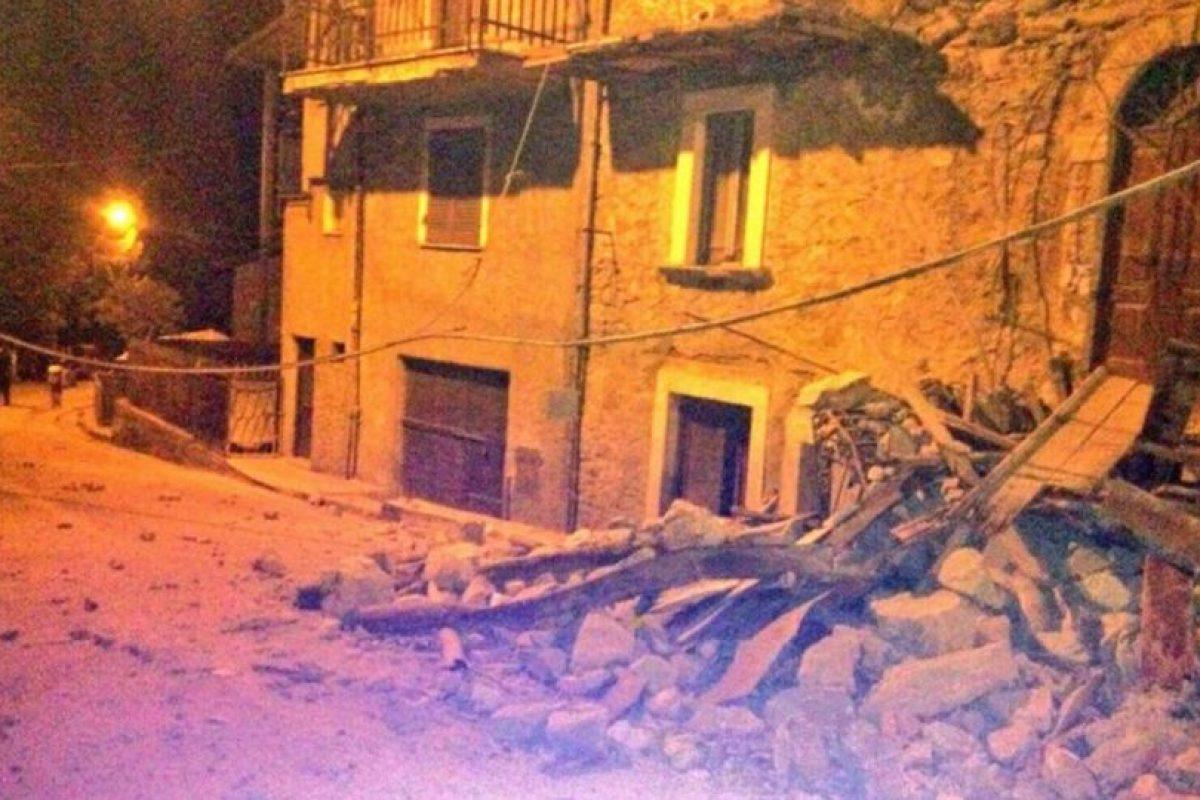 Esto sería Amatrice, pueblo que quedó casi destruido Foto:Twitter. Imagen Por: