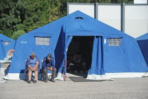 Se instalaron refugios temporales en Amitrace Foto:AFP. Imagen Por: