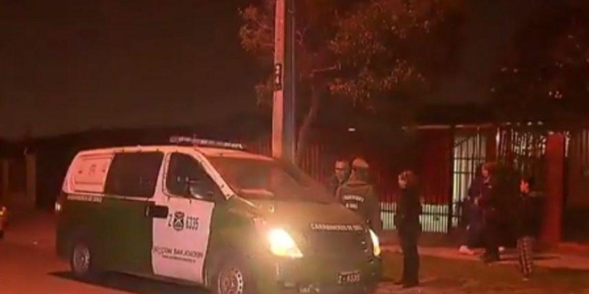Usaron armas de fuego: dos sujetos protagonizaron violento portonazo en San Joaquín