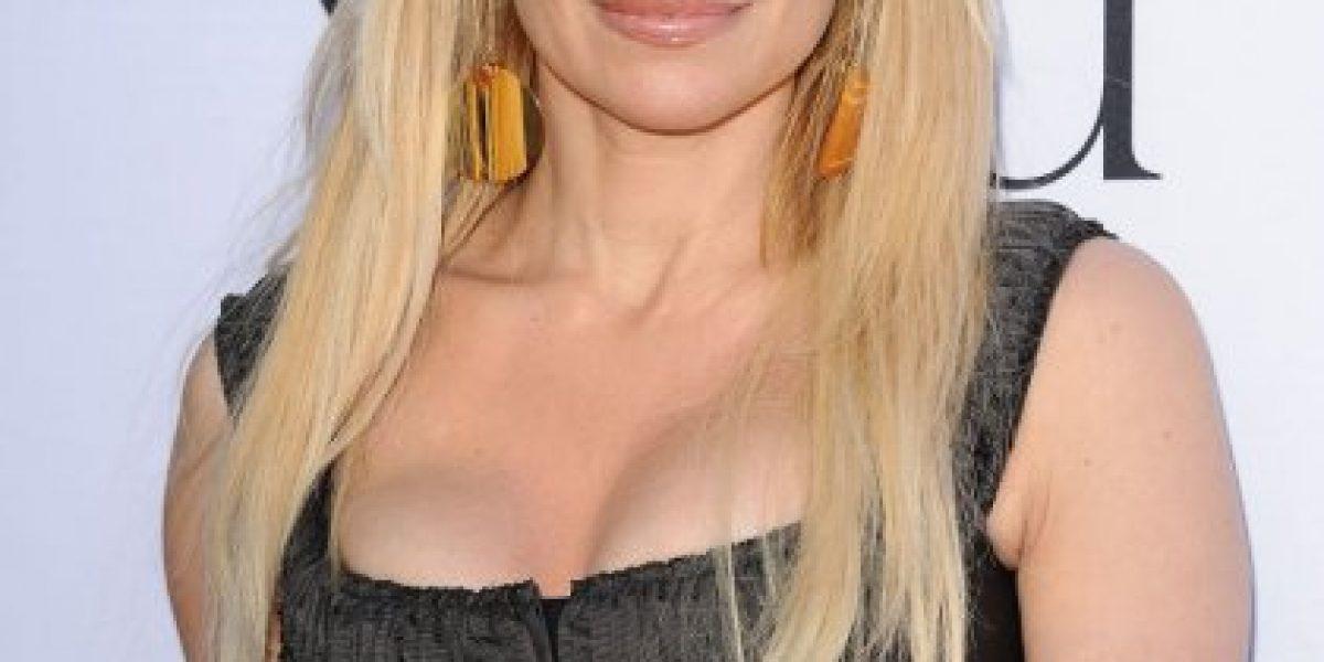 Pamela Anderson se arrepiente de ponerse implantes de busto