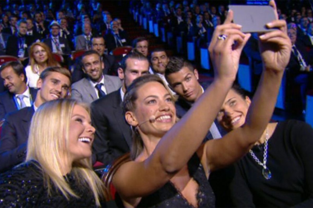 El selfie con Cristiano, Bale y Griezmann se volvió viral Foto:Twitter. Imagen Por: