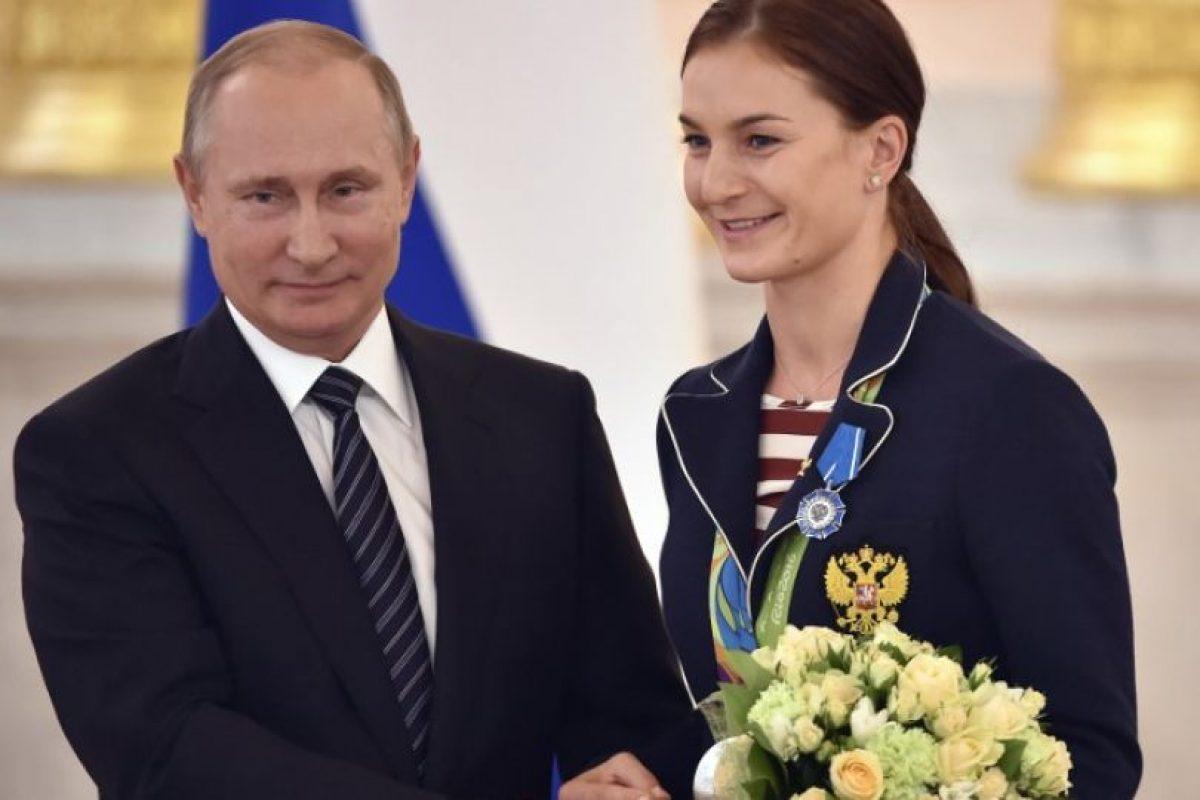 Vladimir Putin regaló autos BMW a cada uno de los medallistas rusos en Río 2016. Imagen Por: