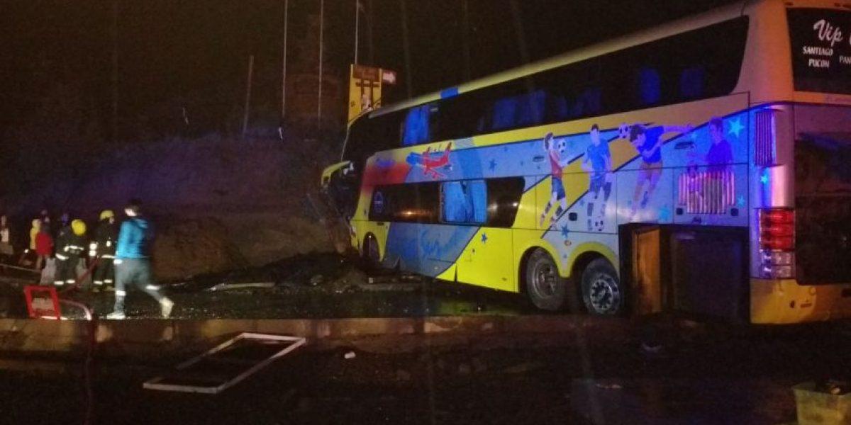 Accidente de bus en Valdivia deja dos víctimas fatales y nueve heridos