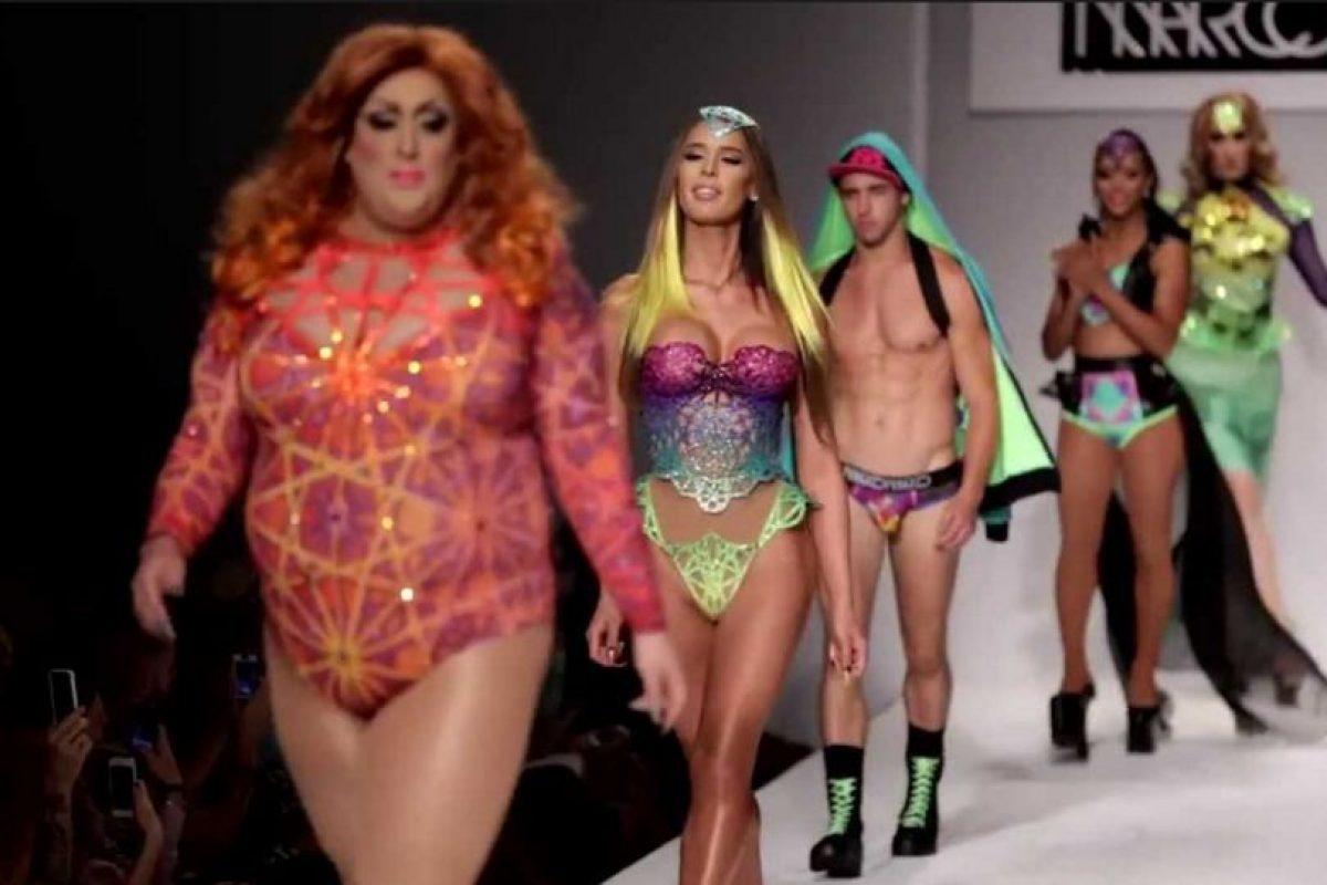 En sus desfiles hay personas de todas las tallas y orientaciones. Foto:Youtube. Imagen Por: