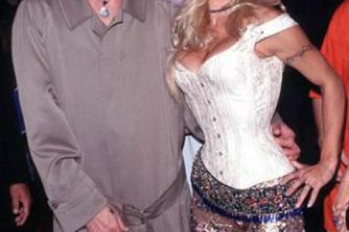 Pamela Anderson y Tommy Lee en 1999. Fueron un rave en Nueva York, amanecieron y quedaron así. Foto:Getty Images. Imagen Por: