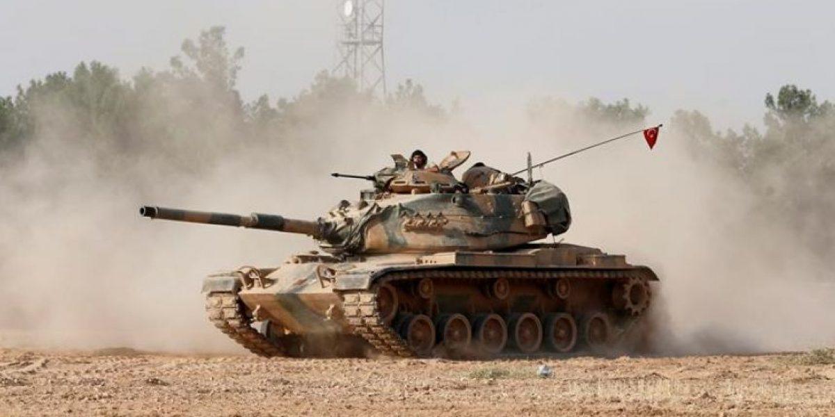 Tropas turcas y fuerzas kurdas se enfrentan en territorio sirio