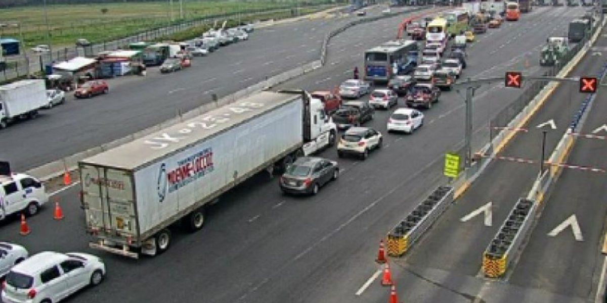 Camioneros protestan en peaje Angostura exigiendo mayor seguridad