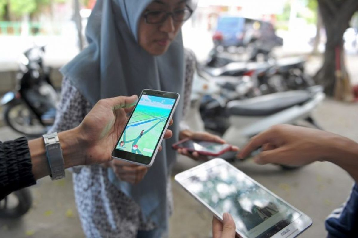 Pokemon Go utiliza la red de satélites de Sistema de Posicionamiento Global (GPS) para crear mapas de las áreas alrededor de los dispositivos móviles de mano que utilizan la aplicación. Foto:Getty Images. Imagen Por: