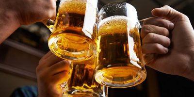 Drunkorexia: Morir de hambre para seguir bebiendo alcohol