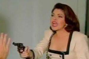 """Según Tanya Meléndez """" La villana tiene un disfrute de la moda que se le niega a la heroína, ya que con su ambición y su posición puede acercarse a ella. Además, cuando se ve la telenovela, hecha para mujeres que tienen mucho que hacer, se le debe reconocer de un modo fácil."""" Foto:vía Canal de las Estrellas. Imagen Por:"""
