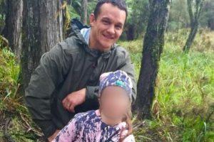 Johnny Yuile llevó a su hija de 8 años de cacería Foto:Facebook. Imagen Por:
