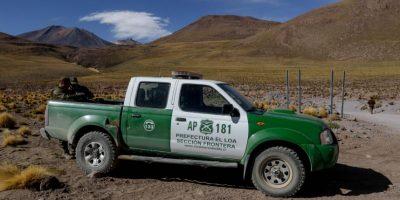 Bolivia devuelve a dos carabineros retenidos a Chile
