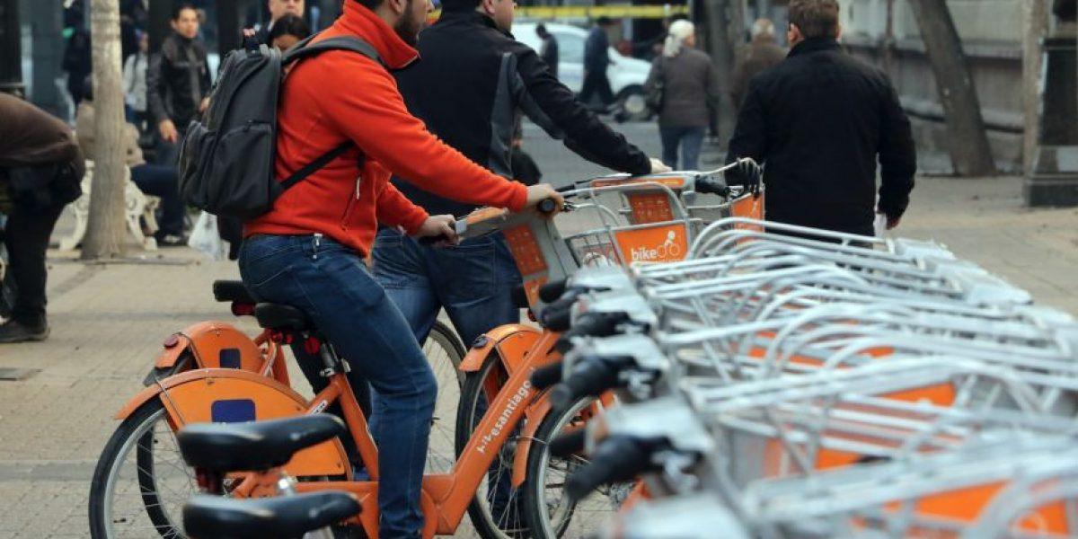 El 40% de los santiaguinos deja el transporte público por las bicicletas de arriendo