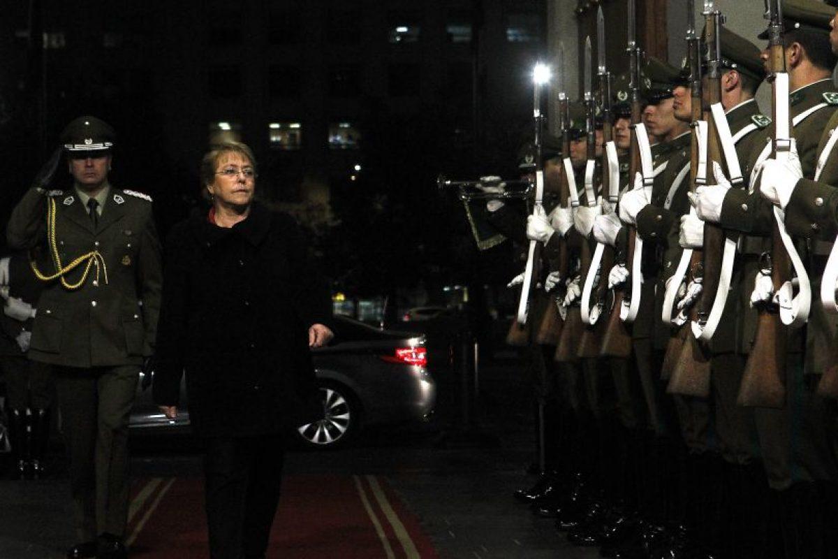 El rechazo a la Presidenta Bachelet anotó un histórico 74%. Foto:Agencia UNO. Imagen Por: