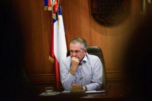El Tribunal de Alzada capitalino mantuvo el fallo del Octavo Juzgado de Garantía de Santiago que rechazó cerrar la indagatoria y sobreseer al ex jefe municipal. Foto:Agencia UNO. Imagen Por:
