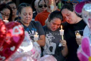 La comunidad le hizo homenajes a la pequeña. Foto:AP. Imagen Por: