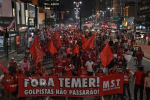Mientras tanto, en algunas ciudades de Brasil hubo manifestaciones a su favor Foto:AFP. Imagen Por: