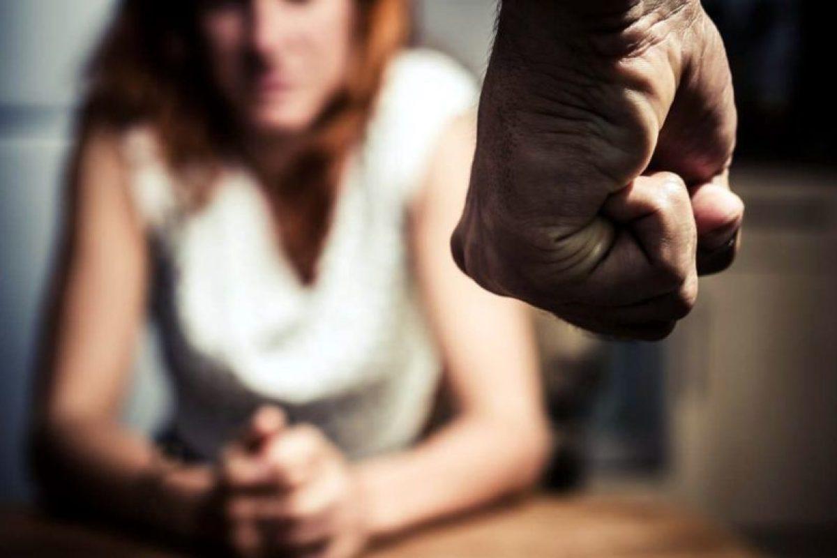 En entornos de ingresos altos, hay datos que apuntan que los programas escolares de prevención de la violencia de pareja (o violencia en el noviazgo) entre los jóvenes pueden ser eficaces. Foto:vía Getty Images. Imagen Por: