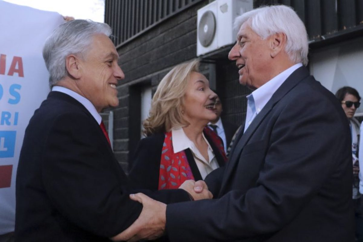"""El ex Presidente Sebastian Piñera dijo """"Chile es capaz de resistir cualquier cosa, terremotos, maremotos, inundaciones, lo que no es capaz de resistir es un mal Gobierno"""". Foto:Aton. Imagen Por:"""