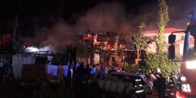 Incendio en Valparaíso dejó al menos cinco damnificados y dos casas dañadas