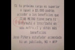 La empresa Metro de Santiago, aún no se pronuncia respecto al mensaje impreso en algunas de sus boletas. Foto:Twitter. Imagen Por: