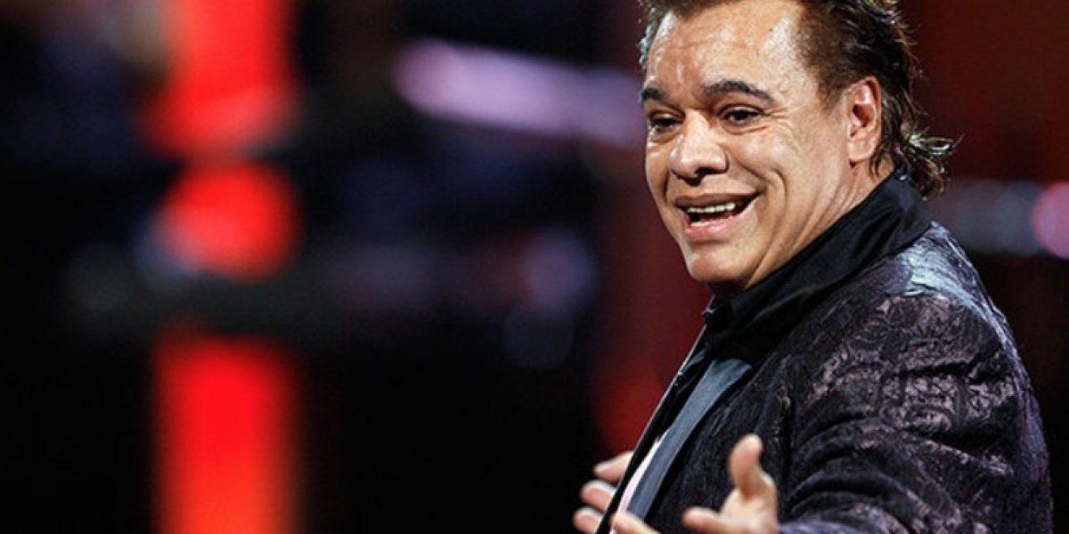 Carabineros rinde homenaje a Juan Gabriel interpretando sus canciones