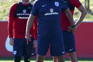 Sam Allardyce debutará en el banquillo de Inglaterra, en su visita a Eslovaquia Foto:Getty Images. Imagen Por: