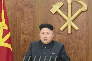 Las supuestas nuevas purgas de Kim Jong-un llegan en un momento en el que se cuestiona la estabilidad del régimen tras publicarse noticias de deserciones de enviados norcoreanos en el extranjero, entre ellas la de Thae Yong-ho, que era el número dos de la Embajada de Corea del Norte en Londres. Foto:Efe. Imagen Por: