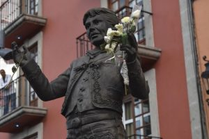 Estatua de Juan Gabriel en la Plaza de Garibaldi Foto:AFP. Imagen Por: