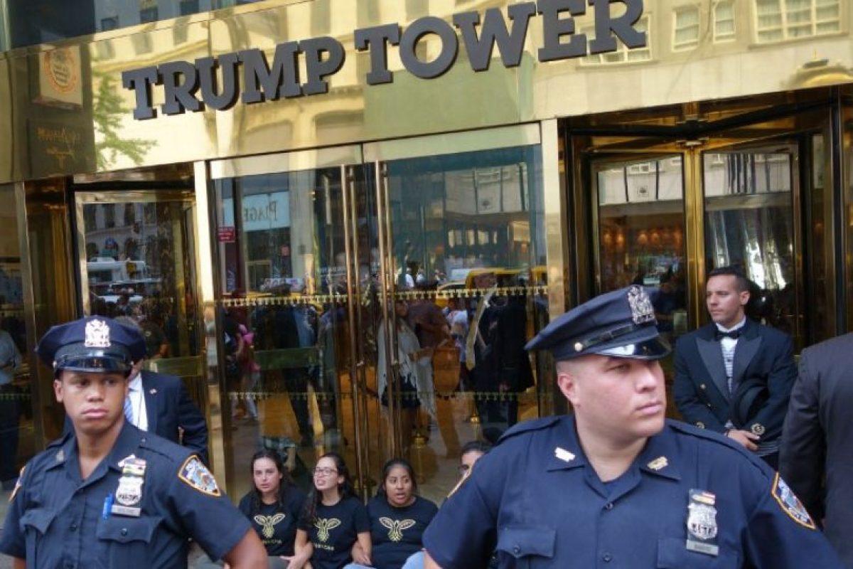 También hubo manifestaciones en la Torre Trump de Nueva York Foto:AFP. Imagen Por: