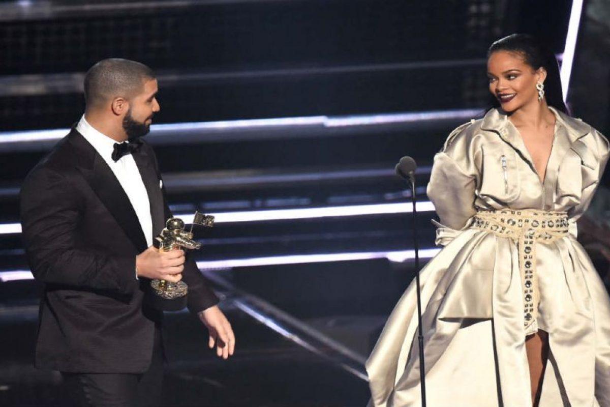 Rihanna y Drake en los MTV VMA'S Foto:Getty Images. Imagen Por: