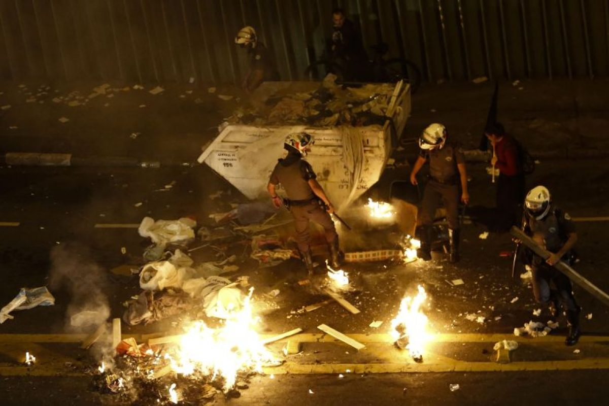 Para mostrar su rechazo al gobierno de Temer varios colectivos convocaron por las redes sociales una nueva protesta para el domingo. Foto:Afp. Imagen Por: