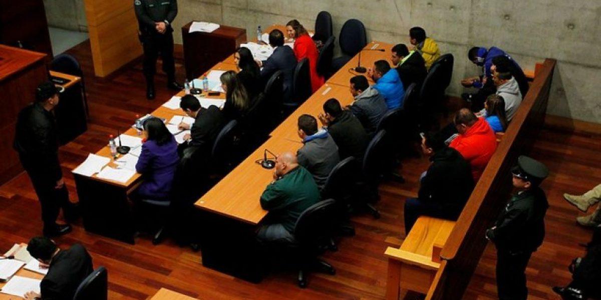 Formalizan a ocho carabineros acusados de participar en portonazos, robos y tráfico de drogas