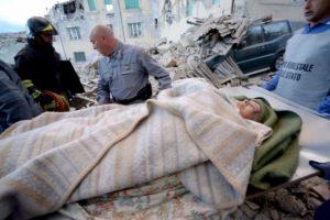 El terremoto ya dejó 295 víctimas. Foto:AFP. Imagen Por: