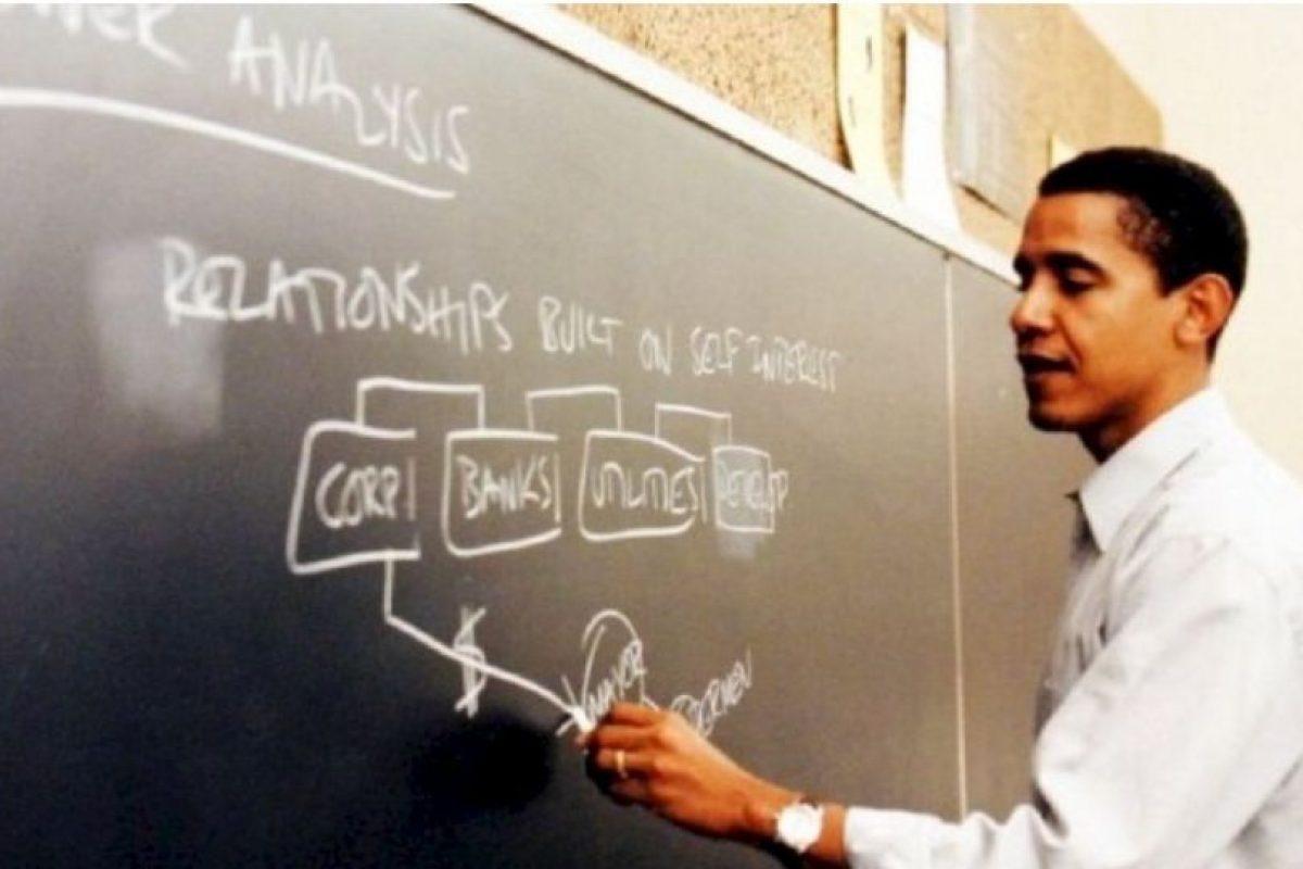 Enseñó derecho constitucional en la Facultad de Derecho de la Universidad de Chicago Foto:Facebook.com/BarackObama. Imagen Por: