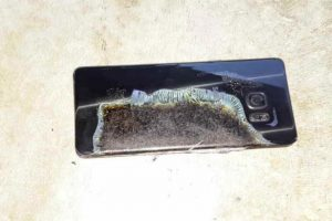 Este es el celular. Foto:Imgur/Crushader. Imagen Por: