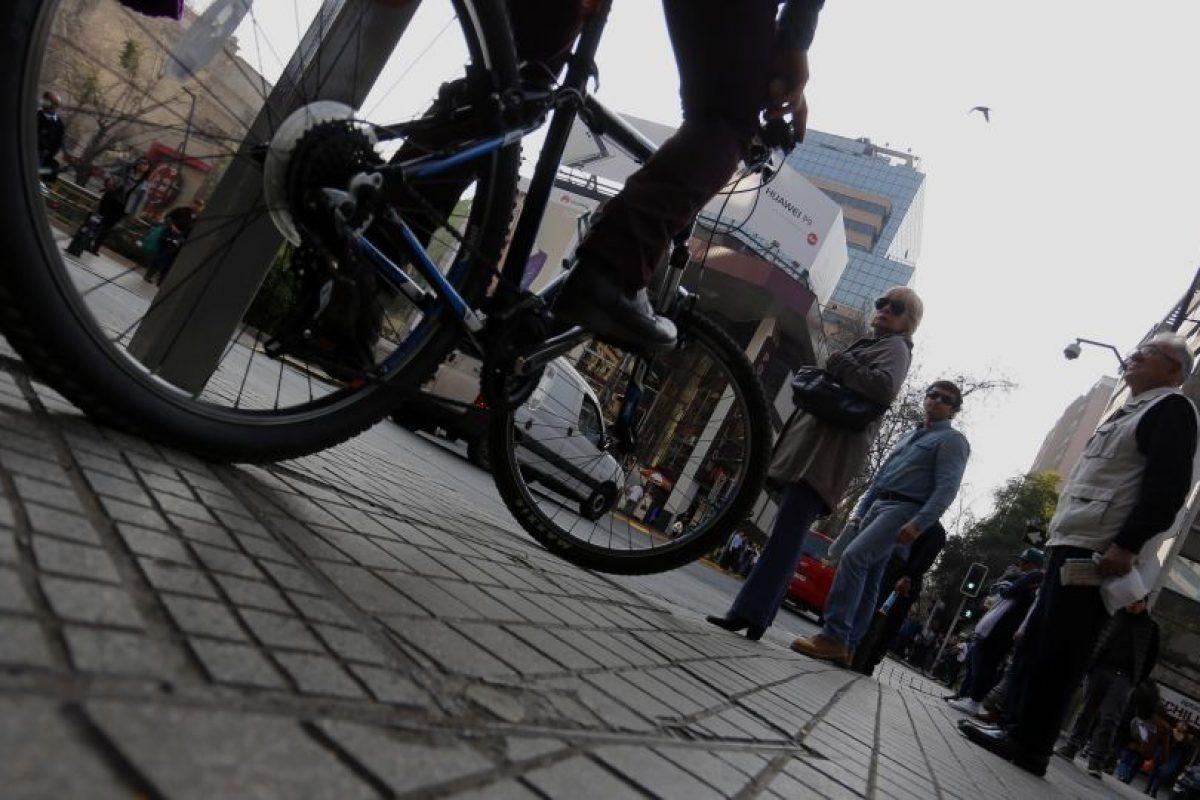 Así lo denunció la vocera del movimiento Peatones Furioso, Mariana Ramírez. La municipalidaddecidió elaborar otras estrategias para favorecer la sana convivencia entre ciclistas y automovilistas. Foto:Agencia UNO. Imagen Por: