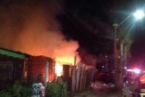 Hasta el lugar llegaron nueve compañías de bomberos para detener las llamas. Foto:Reproducción Twitter @BombaRenca21. Imagen Por: