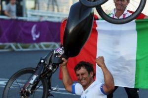 Alex Zanardi. El expiloto de Fórmula 1 es un campeón paralímpico Foto:Getty Images. Imagen Por: